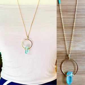Jewelry - NWOT Blue Crystal Geometric Gold Circle Necklace